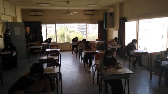 """امتحانات الجامعة اللبنانية تنطلق مع تفاوت في نسبة المقاطعة... """"الأنباء"""" عاينت إجراءات اليوم الأول"""