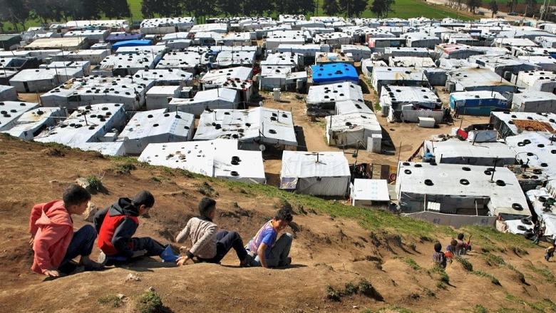 أزمة البطالة في مخيّمات اللّاجئين السوريين