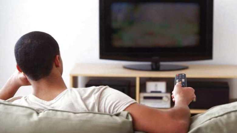 تقليص وقت مشاهدة التلفزيون يقلل من خطر الوفاة