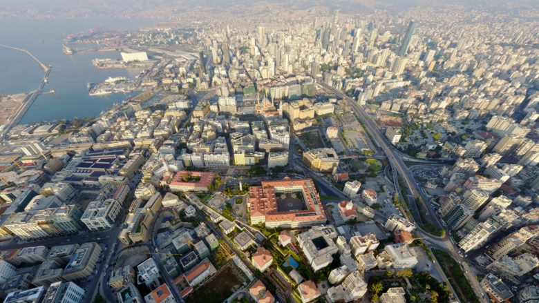 لبنان يخسر الغرب والشرق