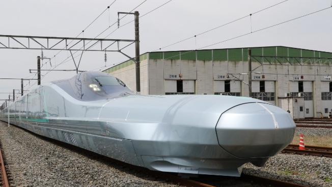 """ميزات جديدة في القطار الياباني """"طلقة"""".. وسرعة قياسية"""