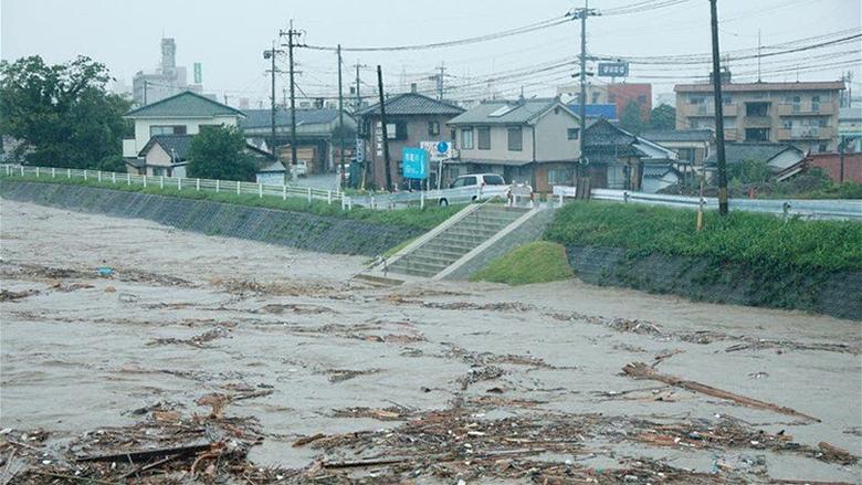 13 مفقوداً إثر الفيضانات... واليابان تأمر عشرات الآلاف بإخلاء منازلهم
