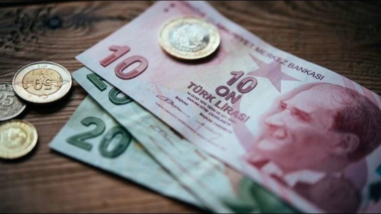 ضربة جديدة لليرة التركية.. وديونٌ تستحق خلال سنة
