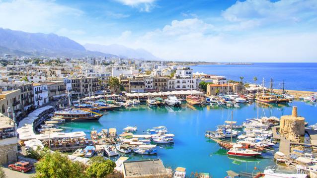 السفارة اللبنانية في قبرص تعمل على تخفيف القيود على القادمين من لبنان