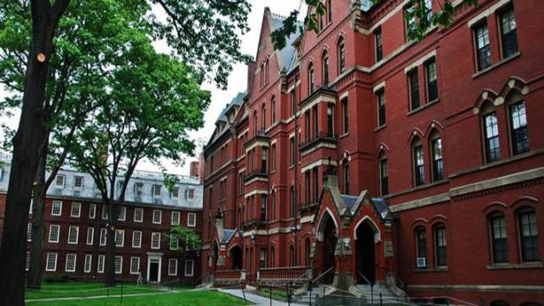واشنطن قد تسحب تأشيرات الطلاب الأجانب إذا أصبحت الدراسة على الإنترنت بالكامل