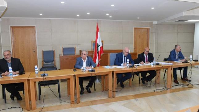 عراجي بعد إجتماع لجنة الصحة: الوضع الصحي وصل الى حافة الانهيار