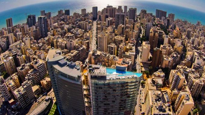 بعدما نعت الطبقة الوسطى.. فورين بوليسي: لبنان يموت