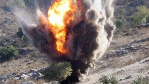 نقل مواد موجودة في معمل الذوق لتفجيرها