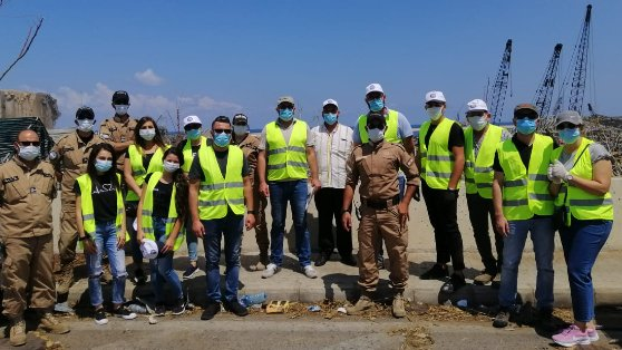 تنظيف احد شوارع المرفأ بمبادرة من بلدية راشيا الوادي واتحاد بلديات جبل الشيخ