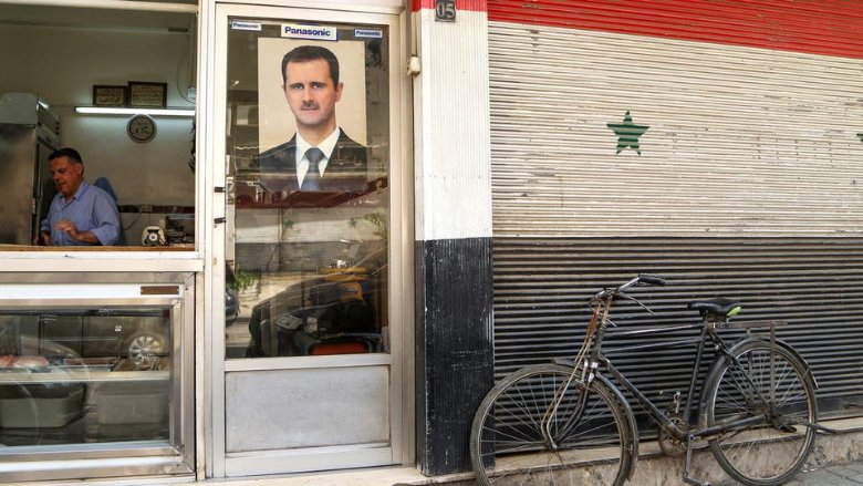 سيف العقوبات الأميركية.. يطال مستشارة الأسد ومساعده
