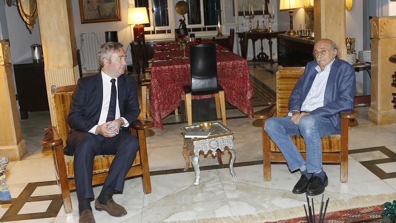 جنبلاط عرض مع لوموين المستجدات واستقبل سفير الجزائر