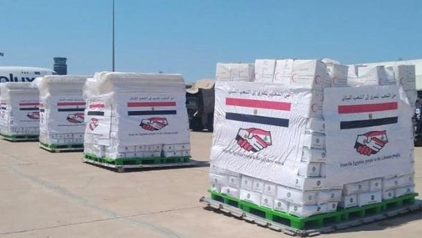 وصول طائرتين مصريتين محملتين أدوية ومستلزمات إغاثية الى بيروت