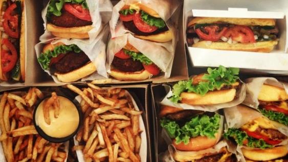تسمّم 6 أشخاص بالطعام في ثاني حادث بالأردن