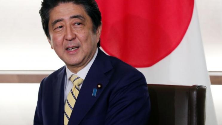 رئيس الوزراء الياباني يعتزم الإستقالة.. إليكم السبب