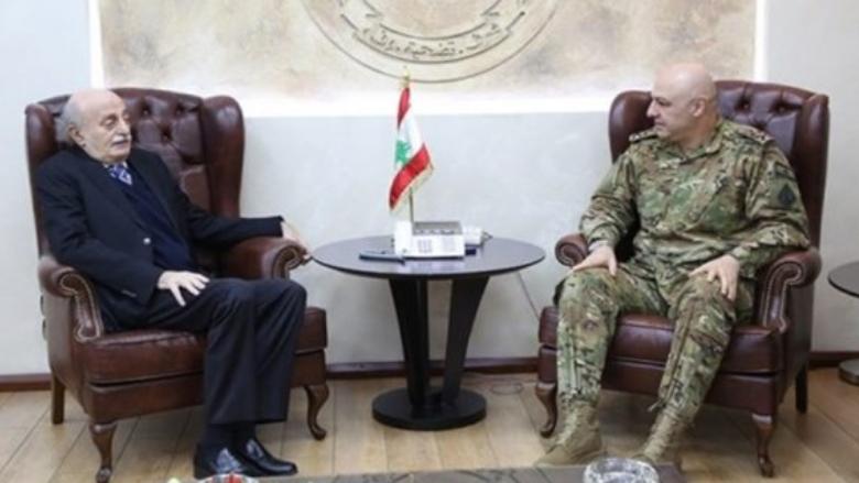 جنبلاط وقائد الجيش تبادلا التهاني بعيد الأضحى وعيد الجيش