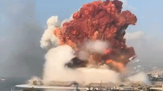 بالفيديو: سحابة من دخان انفجار بيروت في البقاع
