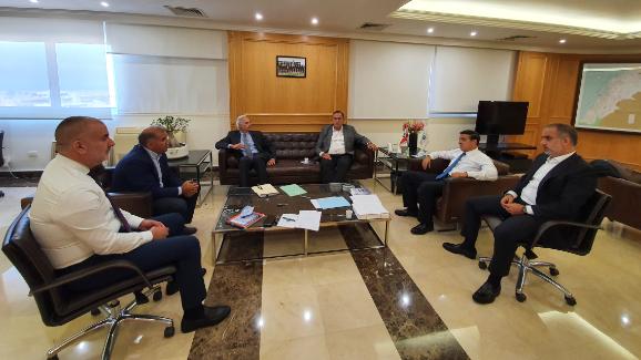 اجتماع في وزارة الاشغال لدراسة امكانات المرافئ للمساعدة في وضع الحلول اللازمة باسرع وقت
