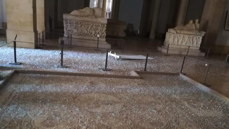 بالصور: الاضرار طالت المتحف الوطني في بيروت