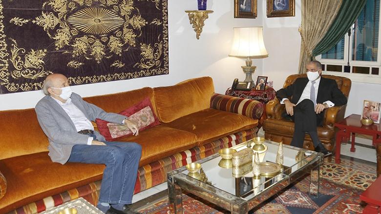 جنبلاط عرض وسفير الاتحاد الأوروبي الأوضاع في لبنان والمنطقة