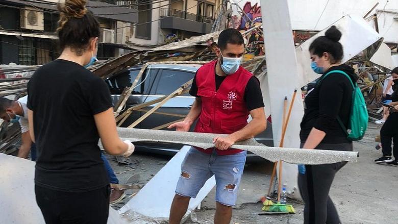 """متطوعو مؤسسة """"الفرح"""" مستمرون بأعمال الإغاثة"""