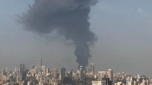 فيديو جديد للحريق الذي اندلع داخل منطقة السوق الحرة في مرفأ بيروت