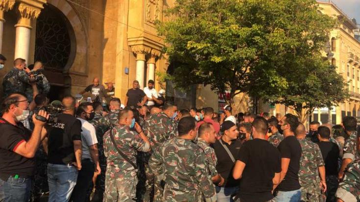 إعتصام لعناصر فوج اطفاء بيروت.. وتأكيد على أحقية المطالب