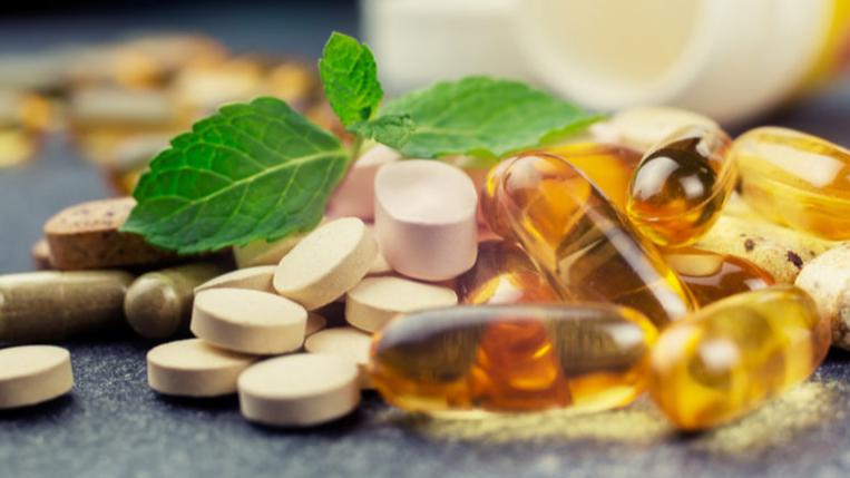 """""""علاجات محتملة"""" لفيروس كورونا.. منظمة الصحة العالمية تقرّ بروتوكول """"الأدوية العشبية"""""""