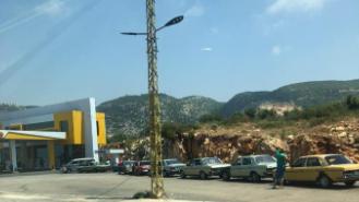 بالفيديو: طوابير لشراء المازوت منذ ساعات الصباح الأولى