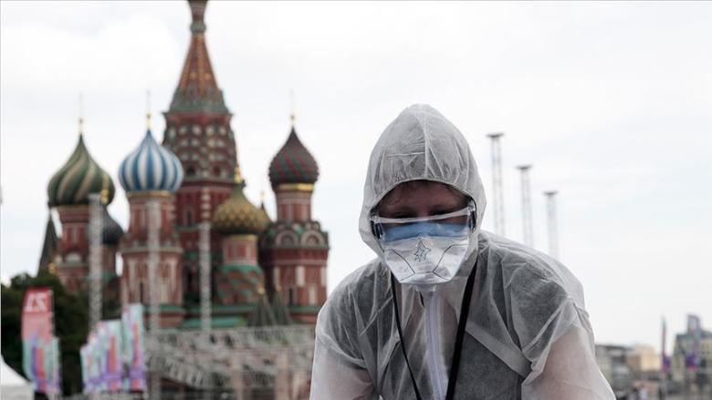 روسيا تسجل 7867 إصابة جديدة بكورونا