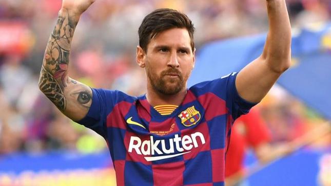 الكابوس الكتالوني إنتهى... ميسي يعلن إستمراره مع برشلونة