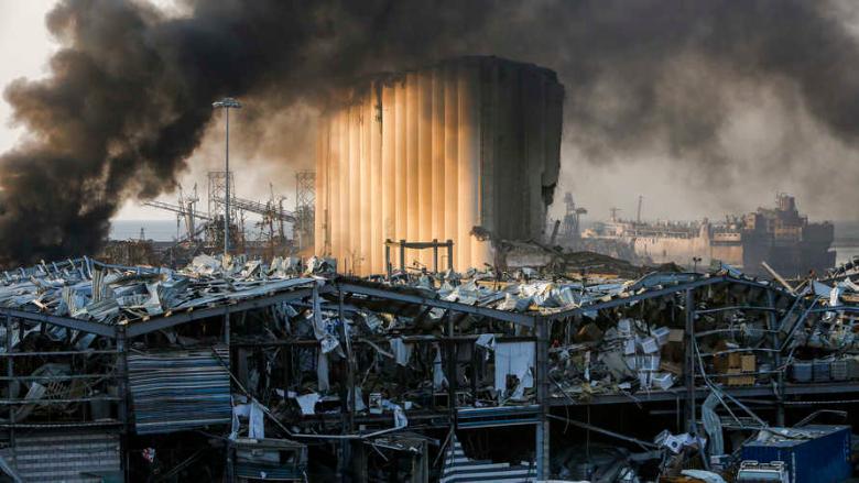 بالفيديو: حريق مكان الإنفجار في المرفأ