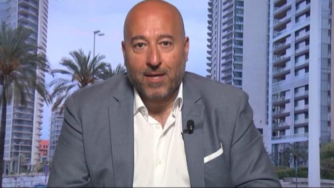 """قزي لـ""""الأنباء"""": لبنان أمام مسارين في الـ""""2021"""".. وهذا مصير سعر الصرف"""
