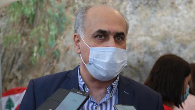أبو الحسن: نطالب بتحرير أموال المستشفيات المودعة بالدولار في المصارف لمواجهة الوباء