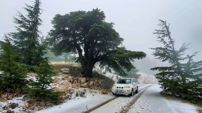 الثلوج قطعت الطريق الذي يصل الشوف بالبقاع