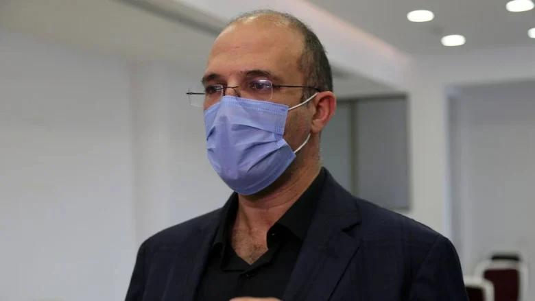 """بعد وفاة مريض بـ""""كورونا"""" أمام باب المستشفى.. وزير الصحة يوعز بفتح تحقيق"""