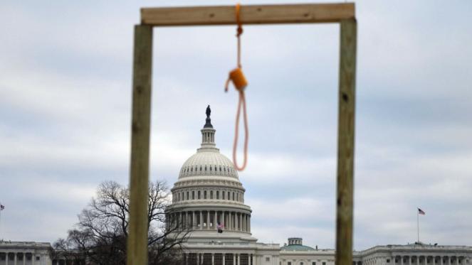 الديمقراطية الأميركية: هزة فوق تلة الكابيتول