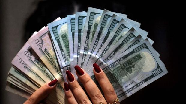 سعر الصرف يَعدُ بقفزات كمية ونوعية.. في هذا الموعد