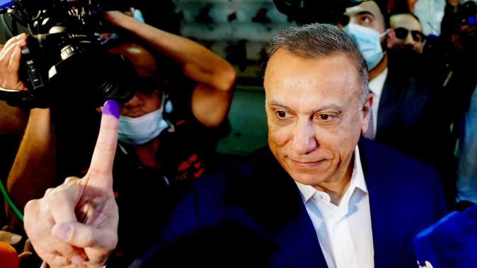 حاكم العراق يقلِّب جمرتين