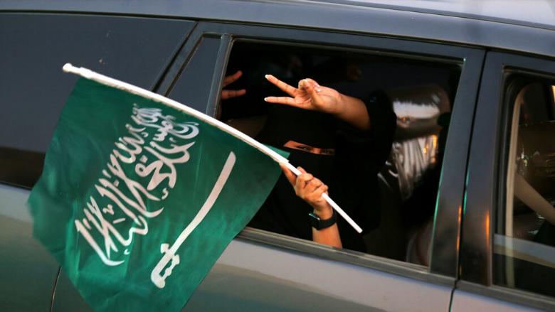 السعودية تتابع باهتمام أحداث لبنان: نقف جنب اللبنانيين