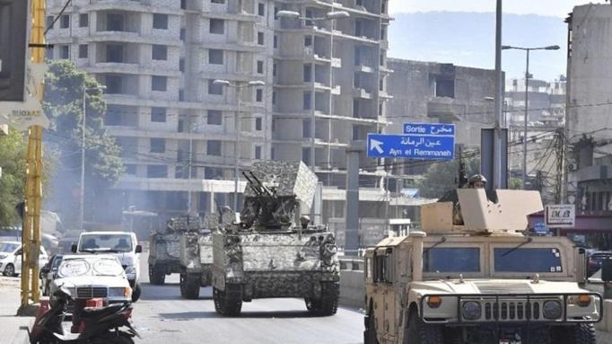 """لا استفراد بـ""""القوات"""" والبيطار: طاولة حوار برعاية عربية ودولية؟"""