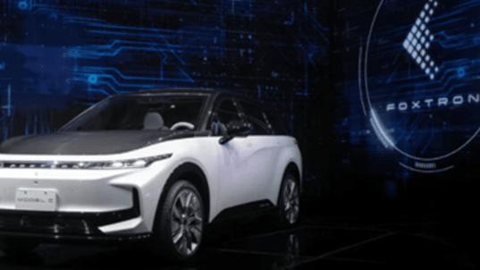 فوكسكون تكشف عن أول نماذج سياراتها الكهربائية