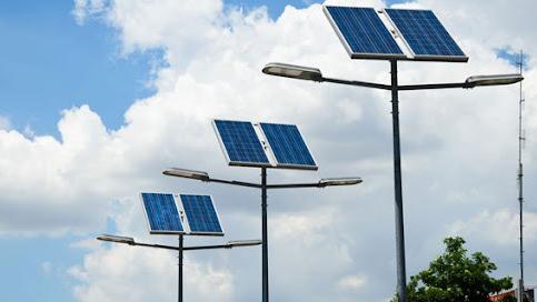 في ظل العتمة الشاملة وارتفاع فواتير المولّدات... اللبنانيون إلى الطاقة الشمسية درْ