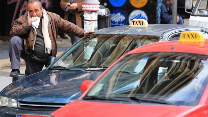 البنزين طار... وراكب التاكسي أيضاً