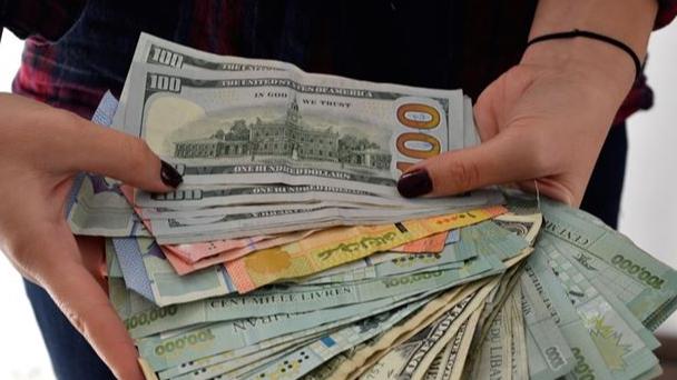 الحد الأدنى للأجور يساوي صفيحتي بنزين.. شريحة اللبنانيين العاجزين إلى اتساع
