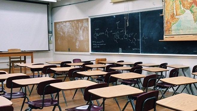 متعاقدو التعليم الأساسي يعلنون تعليق مقاطعة العام الدراسي