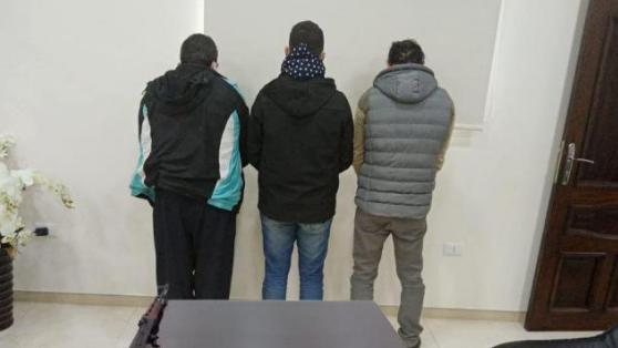 عصابة سرقة كابلات وأسلاك كهربائية في عدد من المناطق بقبضة شعبة المعلومات
