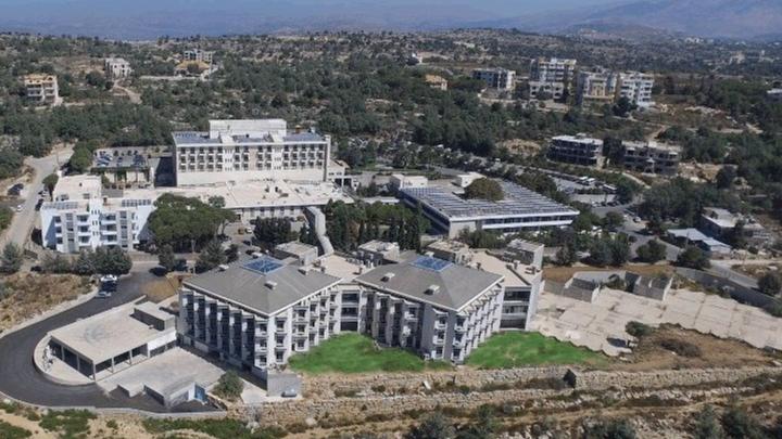 """مستشفى عين وزين يعلن جهوزيته لبدء العمل بمركز التلقيح ضد """"كورونا"""""""