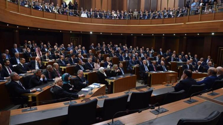 من يجرؤ على تشريع قانون جديد للأحزاب؟