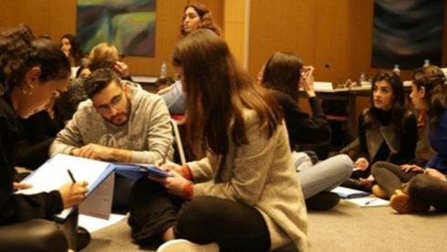 مستقبل جامعيي لبنان مهدّد بسبب أزمة الدولار!