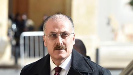 عبدالله: متمسكون بموقف الحريري بتشكيل حكومة ثمانية عشر وزيراً